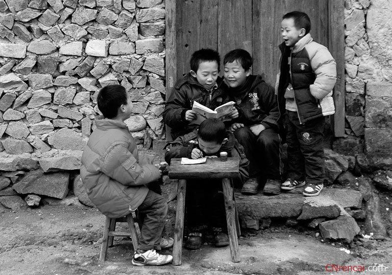 世界读书日之思:最可怕的差距不是贫富,而是知识